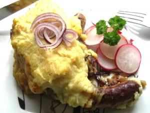 Rezept Bratwurst Trifle mit Kartoffelkrone